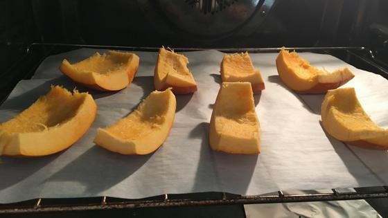 Organic pumpkin puree process - toddler meal prep.